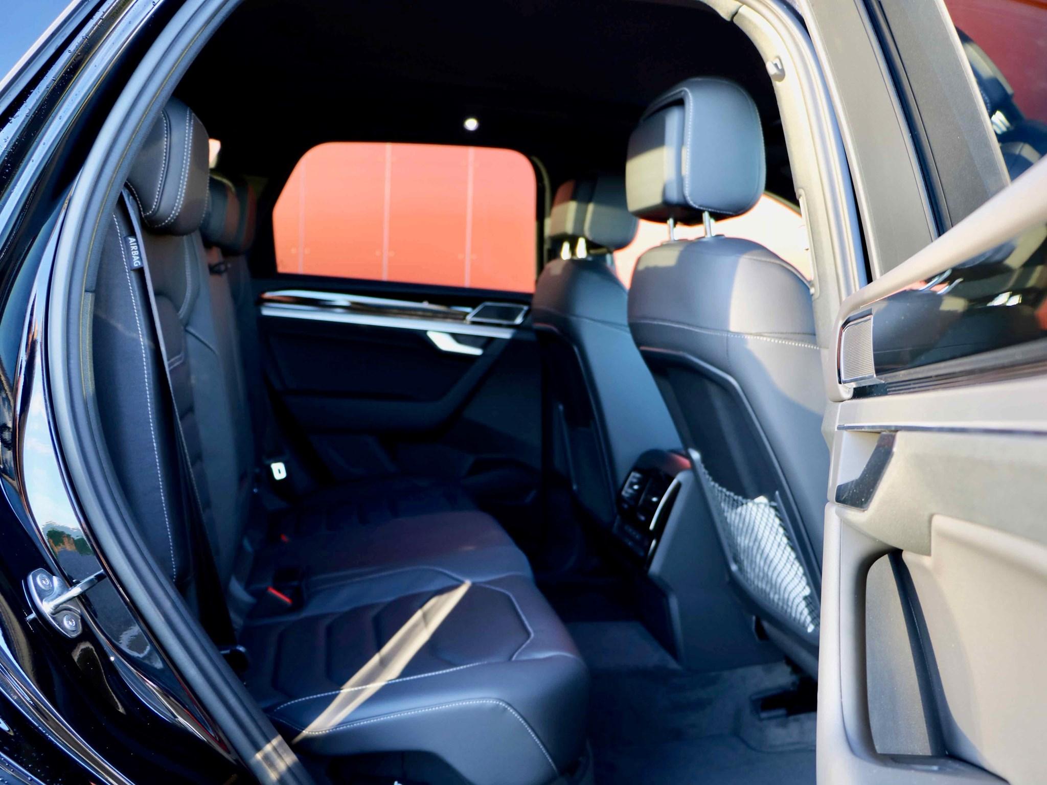 VW Touareg 3.0 TDI voll