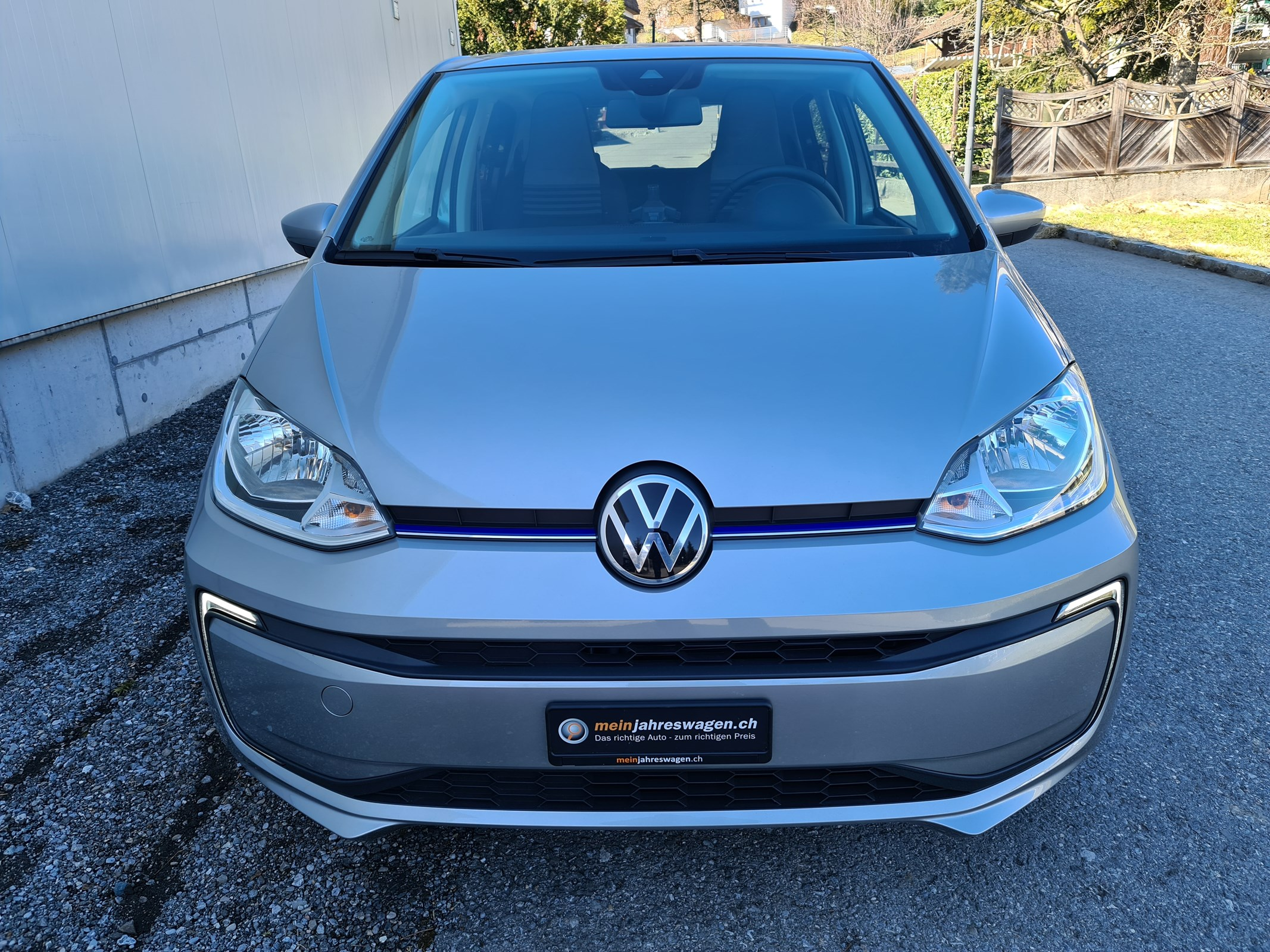 VW e-Up voll